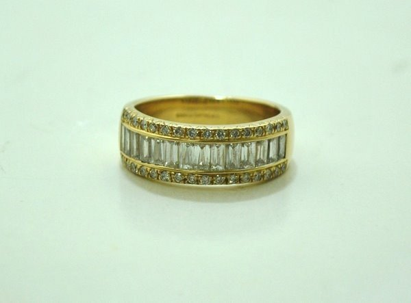 19: 14KT Y.G. DIAMOND BAND 2.50CT