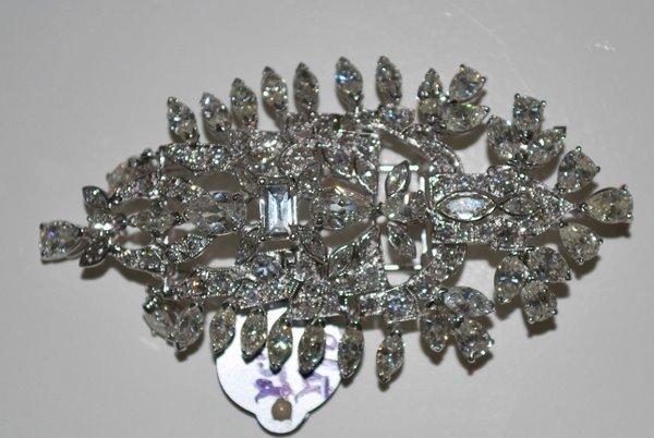 19: PLATINUM ART DECO 14.00CT DIAMOND PIN