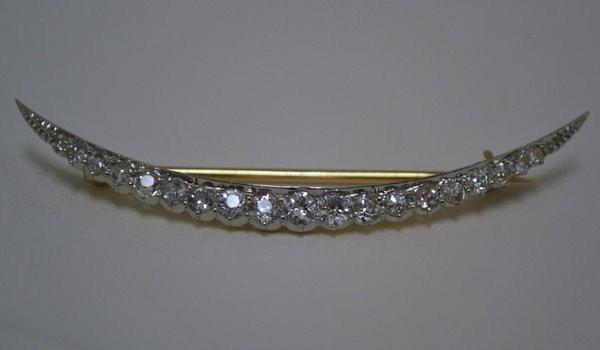 25: PLAT/18KT 1.50CT DIAMOND PIN 1930'S