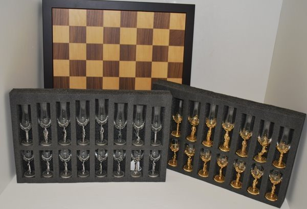 7: CHESSMEN DRINKING TOURNAMENT SET