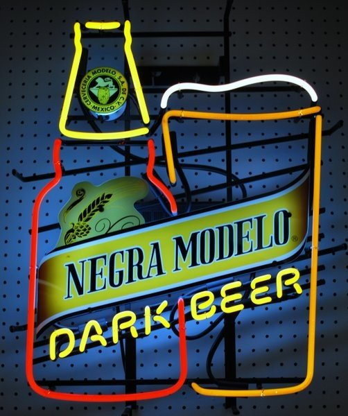 "18: NEON BEER SIGN ADVERTISING "" NEGRA MODELO """