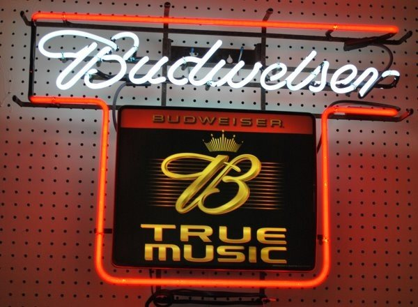 23: NEON BEER SIGN ADVERTISING BUDWIESER
