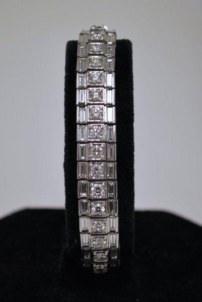 90: PLATINUM 14.00CT DIAMOND BRACELET
