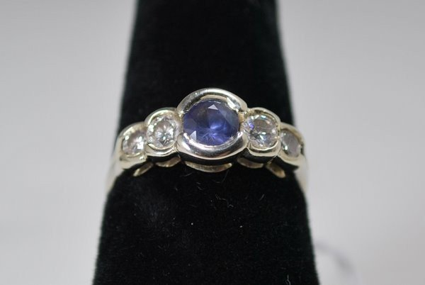 5: 14KT W.G. SAPPHIRE AND DIAMOND RING 1.00CT
