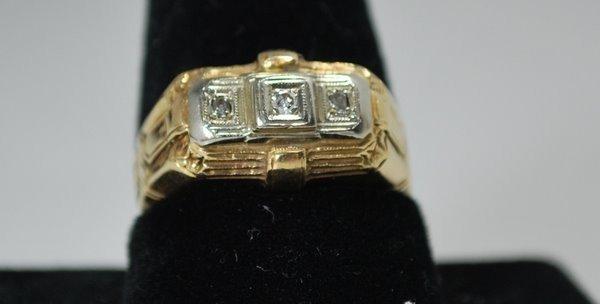 7: MENS 14KT Y.G. DIAMIND RING