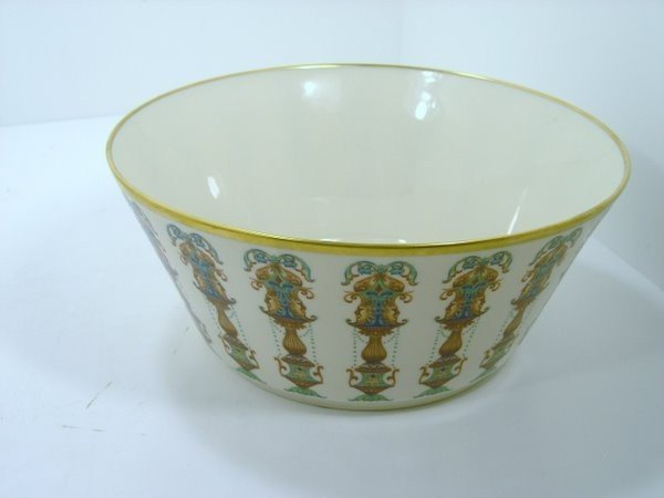 17: LENOX BOWL WITH 24 - KT GOLD TRIM