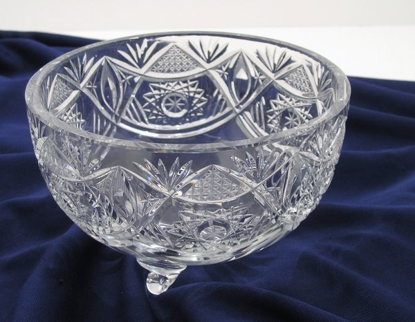 18: CUT GLASS CRYSTAL BOWL