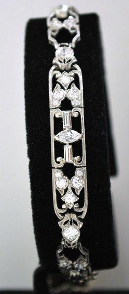 17: PLATINUM EDWARDIAN 3.00CT DIAMOND BRACELET