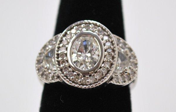 7: PLATINUM 2.25CT DIAMOND RING