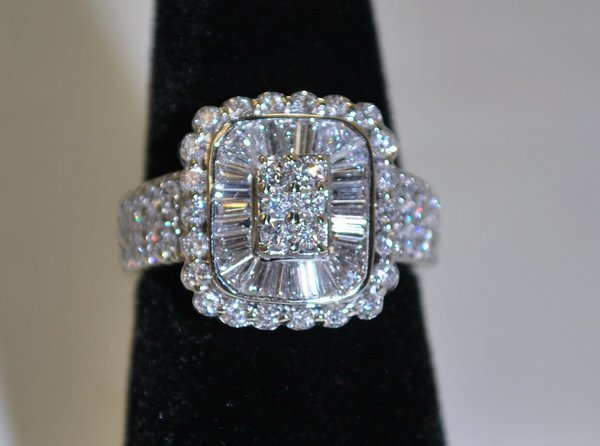 18: LADIES 18KT W.G. 2.00CT DIAMOND RING