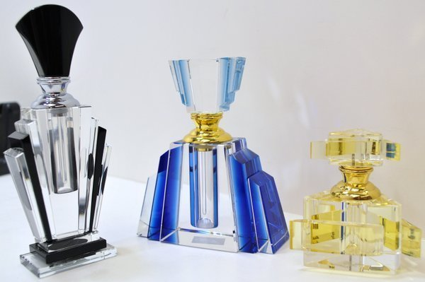 10B: 3 ART DECO PERFUME BOTTLES