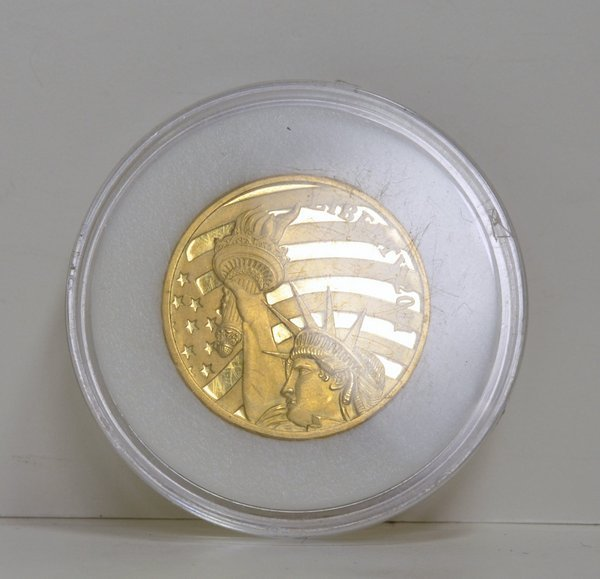 15: 1/2 OZ PURE GOLD COOK ISLAND COIN