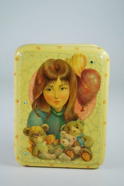 FEDOSKINO RUSSIAN ART LACQUER BOX
