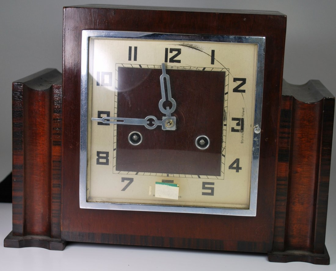 LARGE VINTAGE WOOD MANTLE CLOCK