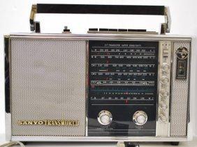 VINTAGE SANYO TRANSWORLD RADIO