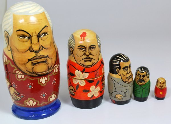 SET RUSSIAN NESTING DOLLS