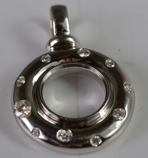 18KT W.G. DIAMOND CIRCLE PENDANT .50CT