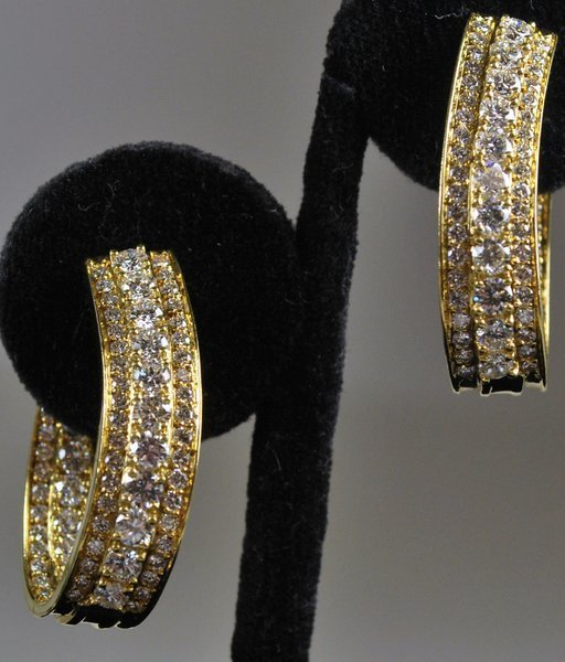 18KT Y.G. 5.50 CT DIAMOND EARRINGS