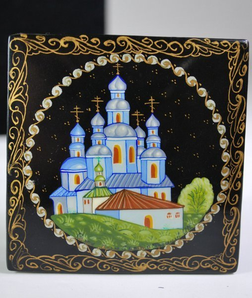 HAND PAINTED RUSSIAN LAQUERBOX