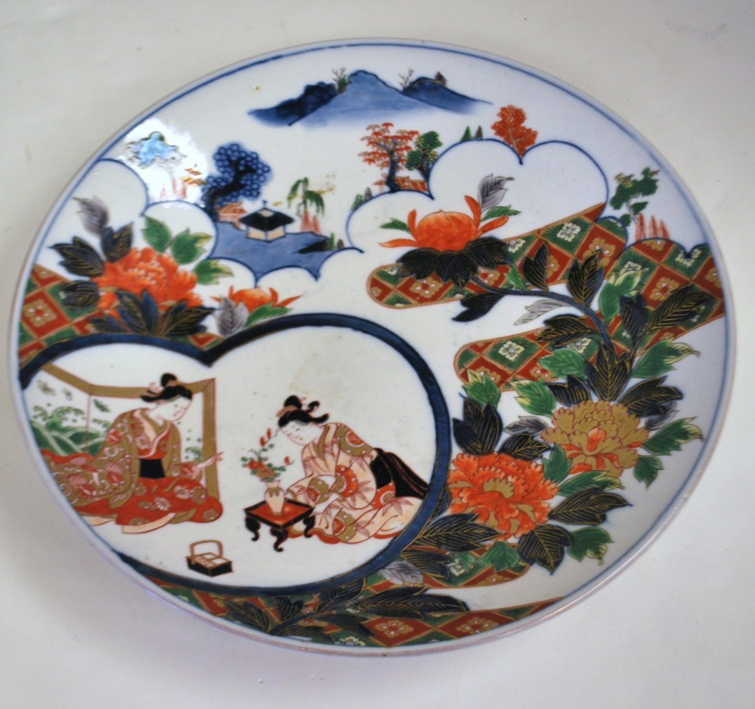 ANTIQUE HAND PAINTED JAPANESE CHARGER
