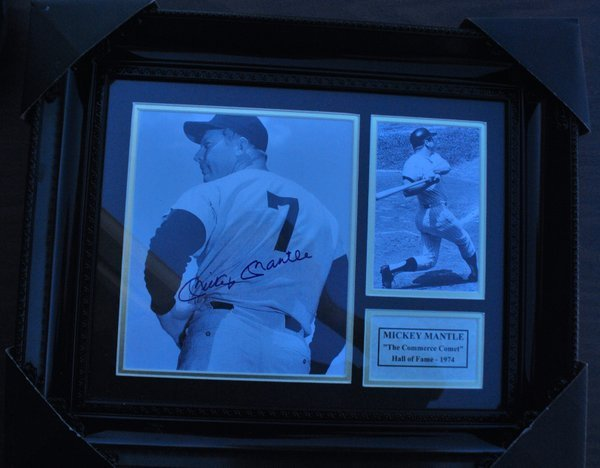 MICKEY MANTEL SIGNED  PLAQUE