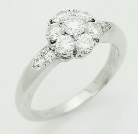 Van Cleef & Arpels Plat Diamond Cluster Fleurette Ring