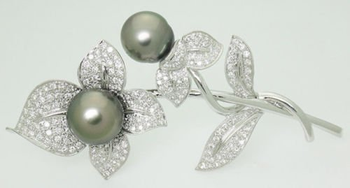 18k White Gold 2.50 ct VS1 2 GH Diamond Tahitian Pearls
