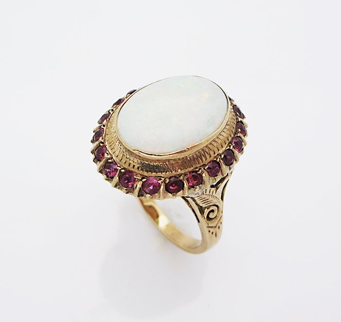 18K Yellow Gold Ring Oval White Opal & Rubies