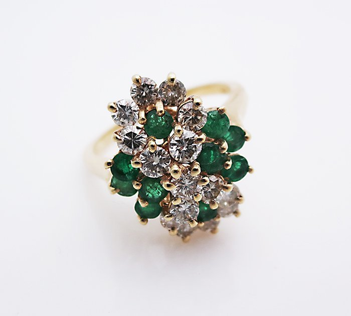 14k Gold Ring with high quality emeralds and diamond
