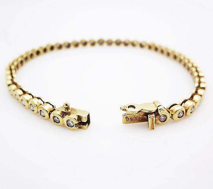 18k Yellow Gold 2.25 carat VS1-2 F-G Diamond & Large