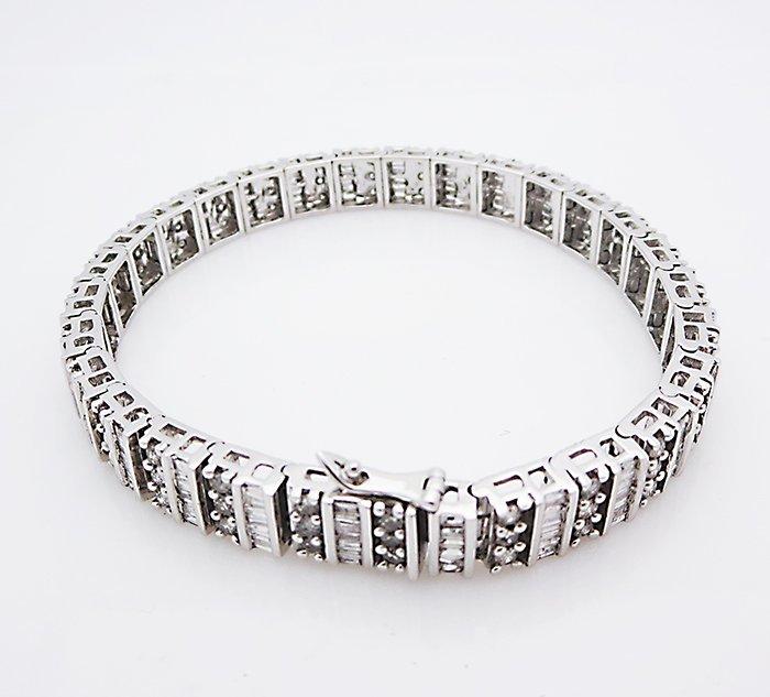 14K Gold Bracelet with two shape Diamonds