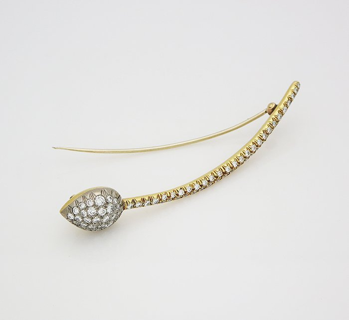 18 K Yellow Gold Brooch Pin with 1.10 tcw Diamonds