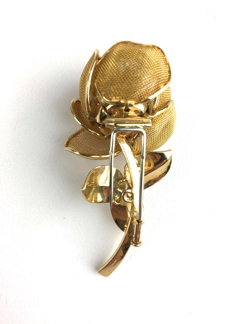 18 K Yellow gold jointed floral diamond pin. - 3