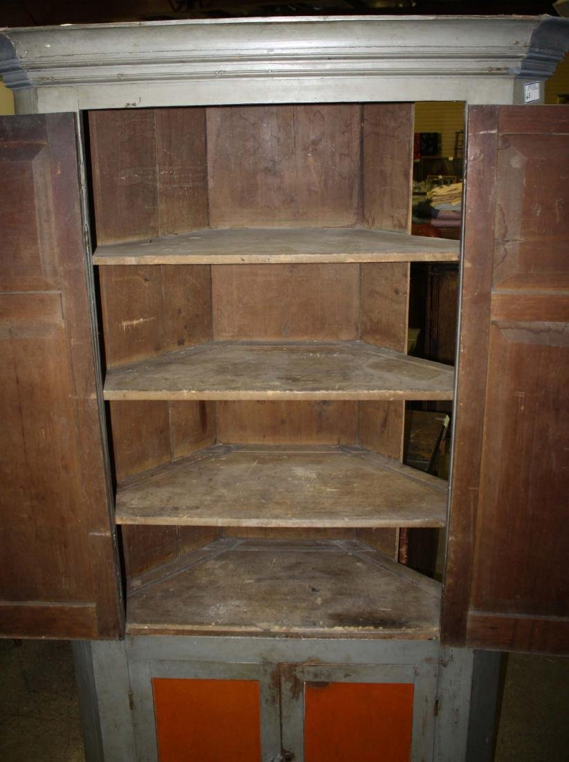 Early 19th c painted corner cupboard - 2