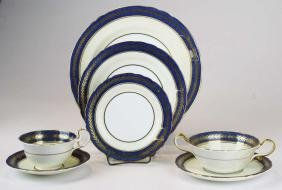 Aynsley bone china porcelain 84 pc gilt cobalt dinner