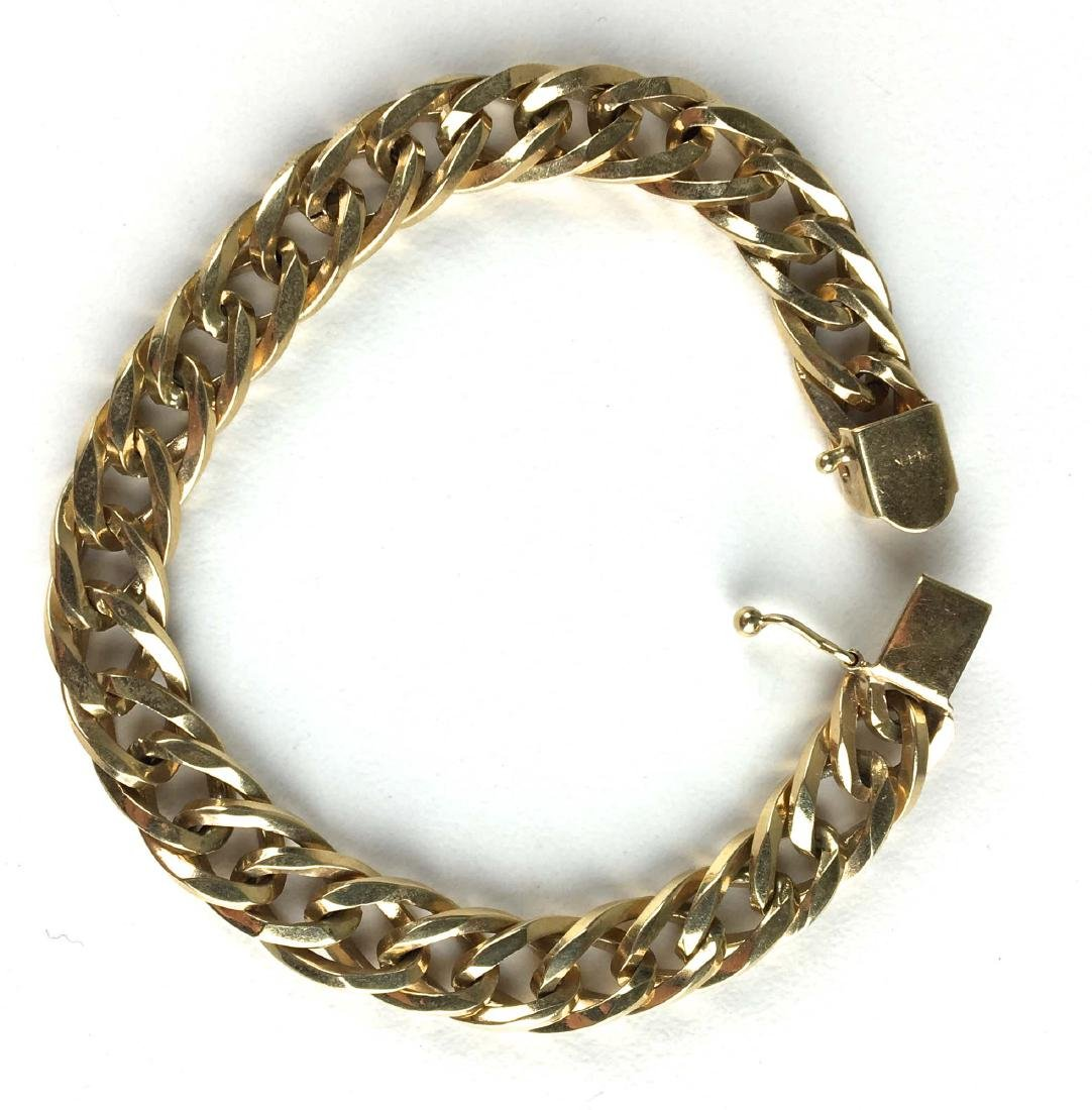 14k yellow gold chain link bracelet.