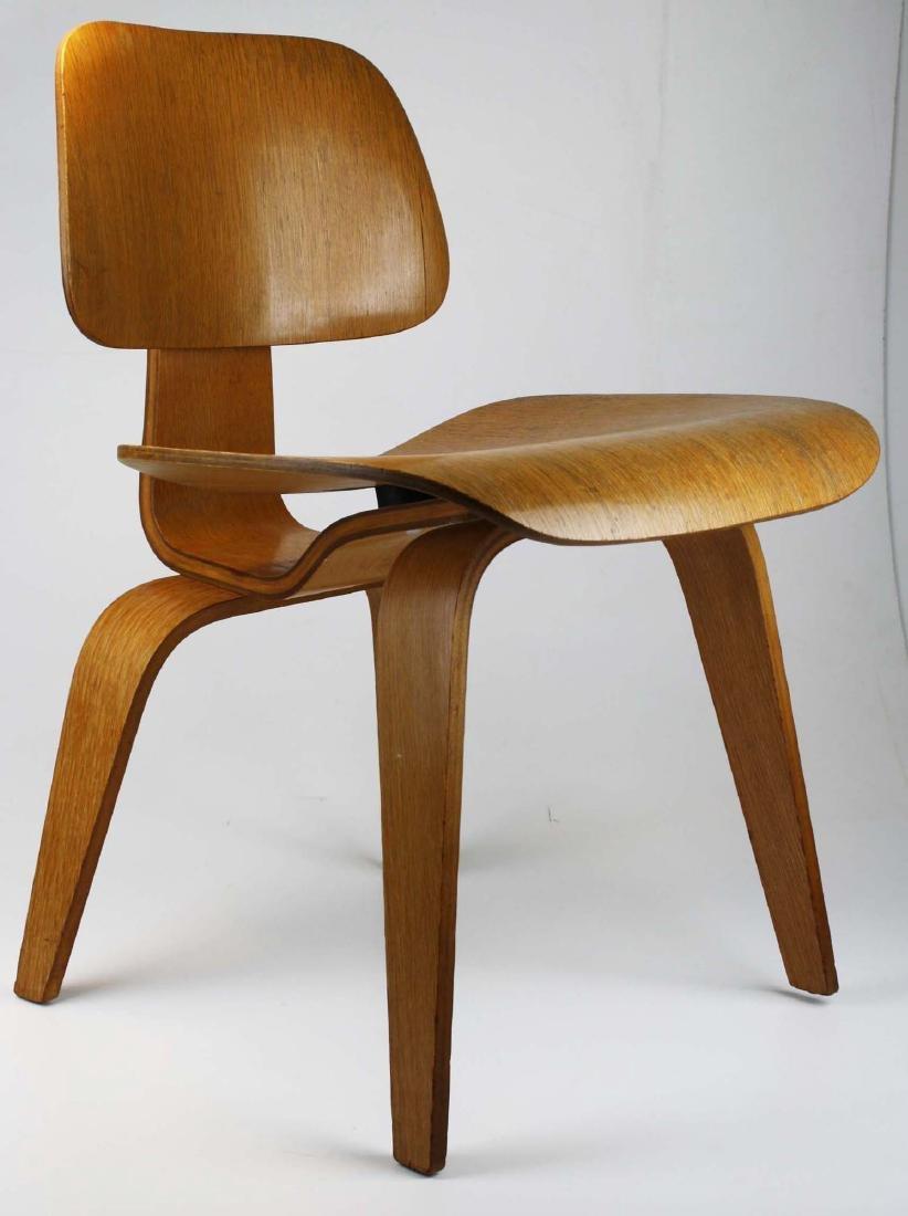 Charles Eames Potato chip chair. - 2