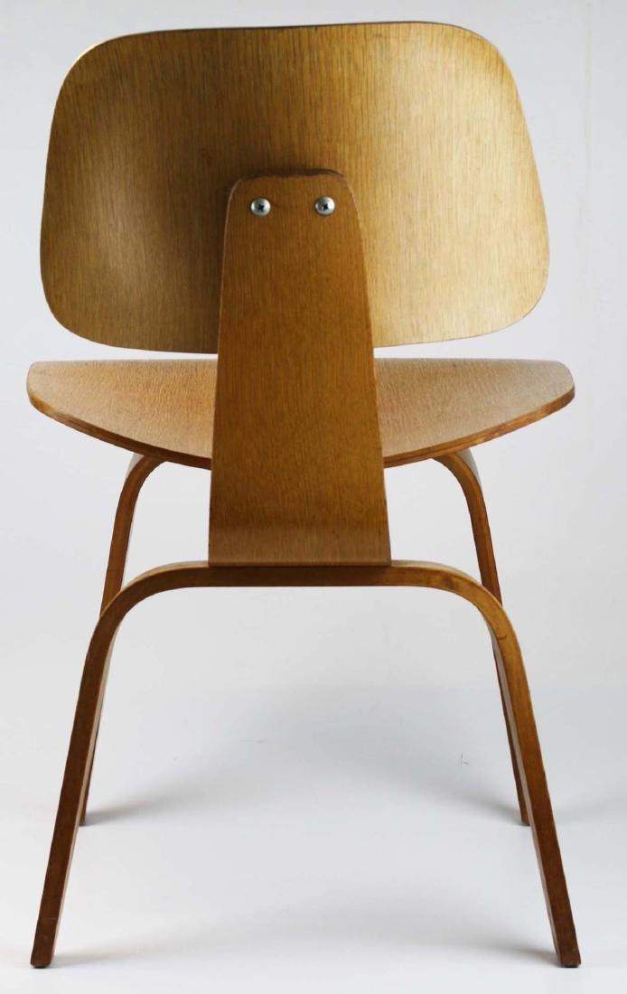 Charles Eames Potato chip chair. - 4