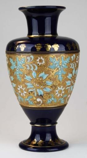 ca. 1925 Royal Doulton Slater's Patent pottery vase