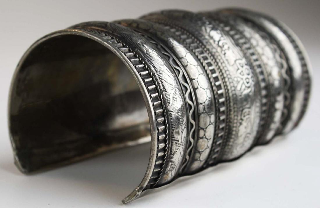 Rajhastani silver hinged cuff bracelet - 3