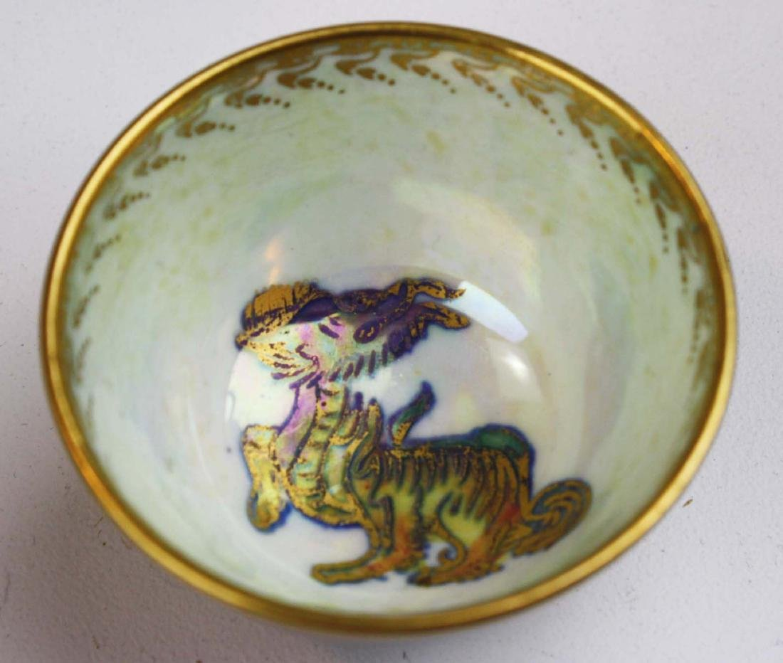 Wedgwood Dragon Lustre square dresser box, 3 Dragon - 4