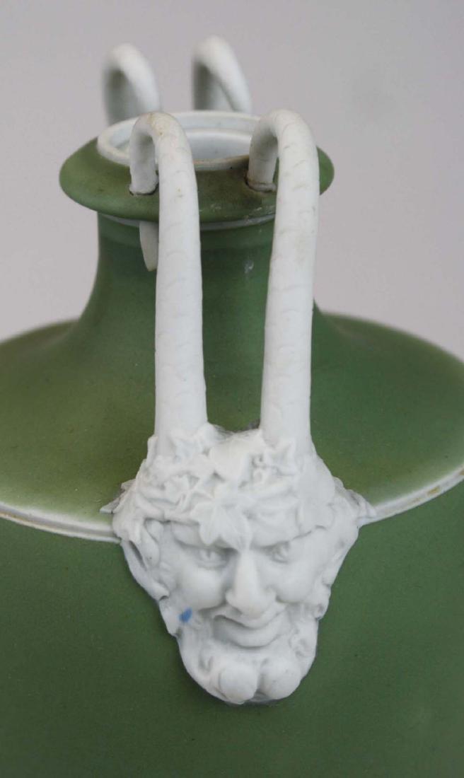 3 Wedgwood covered Jasperware garniture urns - 8
