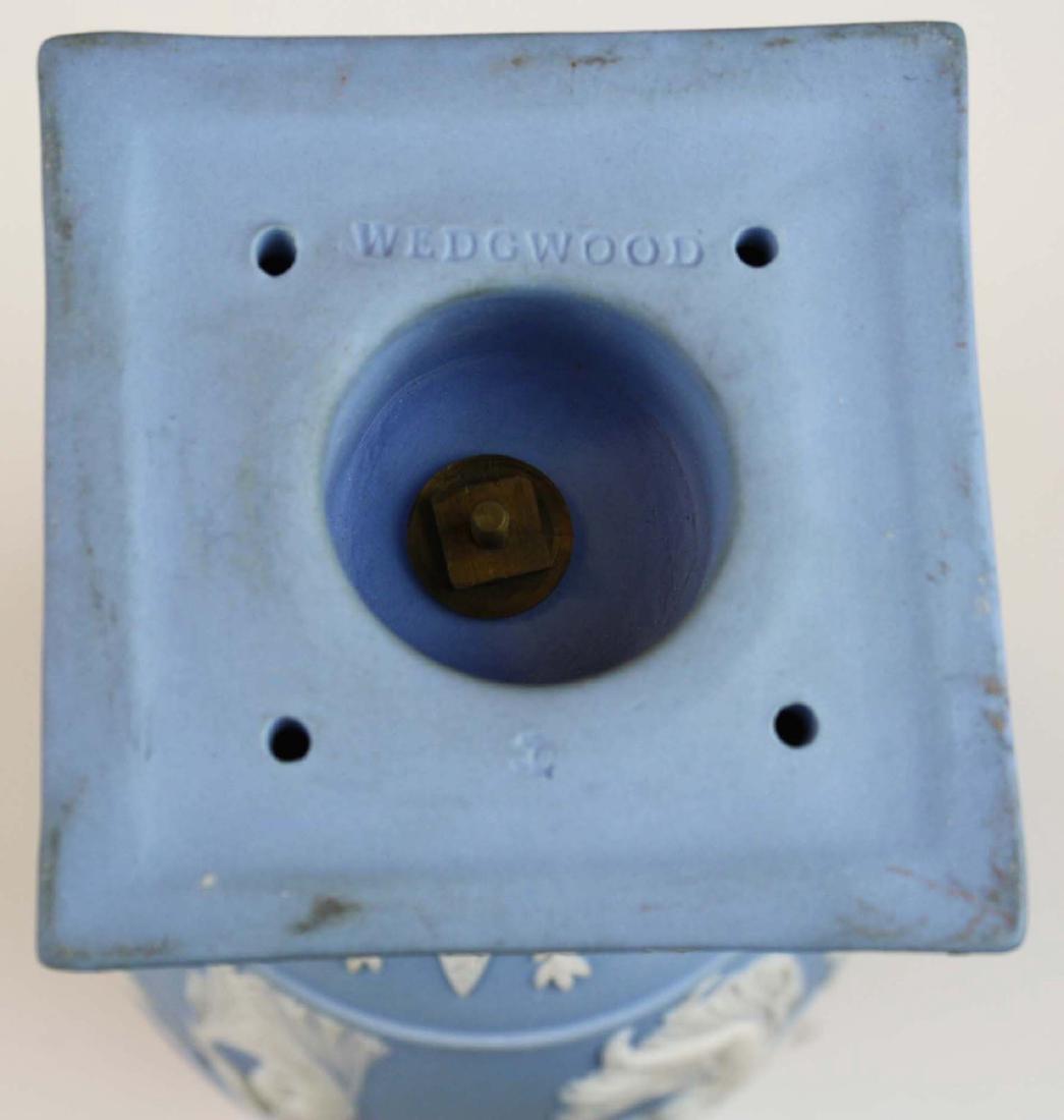 3 Wedgwood covered Jasperware garniture urns - 9