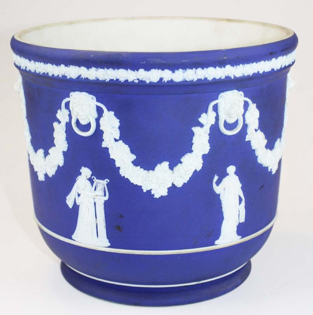 Wedgwood dark blue dip Jasperware jardiniere cache pot - 2