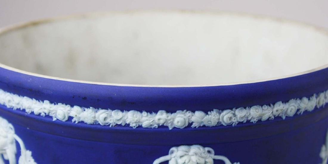 Wedgwood dark blue dip Jasperware jardiniere cache pot - 5