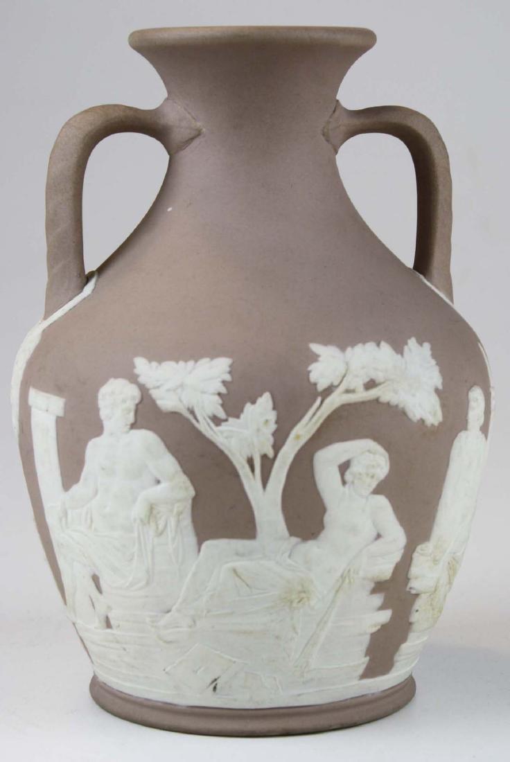 Wedgwood lilac dip Jasperware copy of the Portland vase - 3