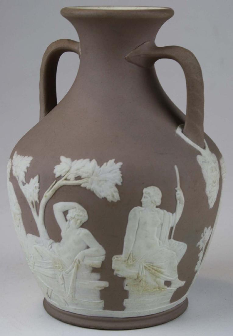 Wedgwood lilac dip Jasperware copy of the Portland vase - 4