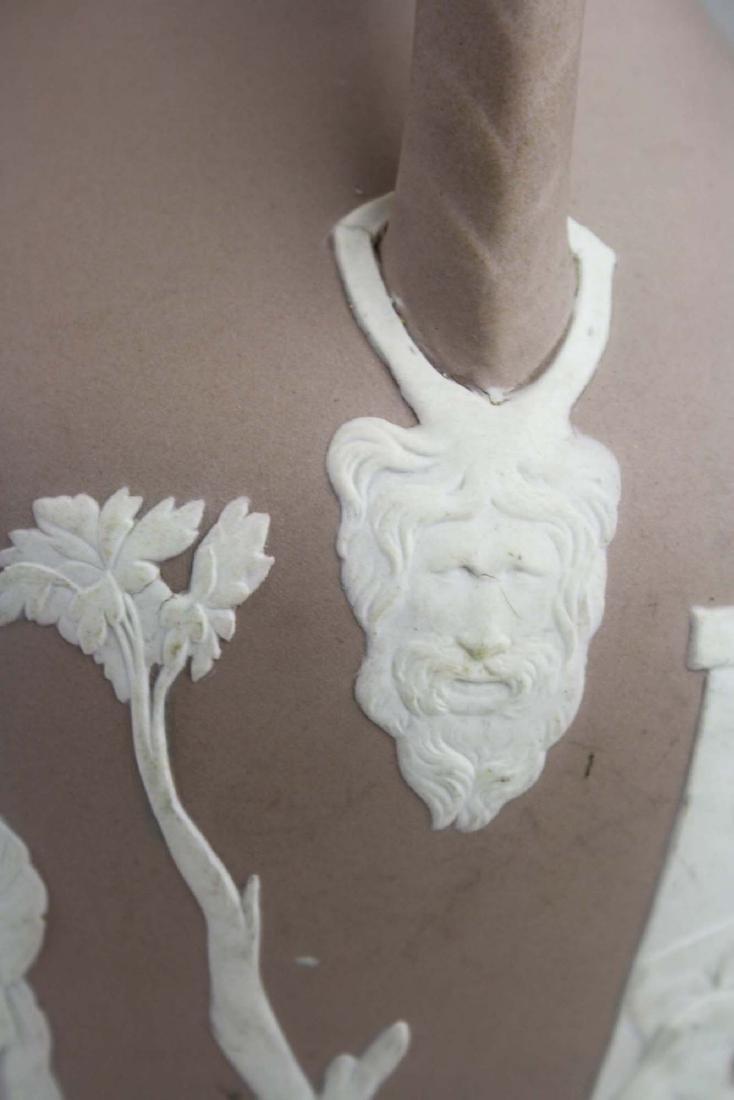 Wedgwood lilac dip Jasperware copy of the Portland vase - 5