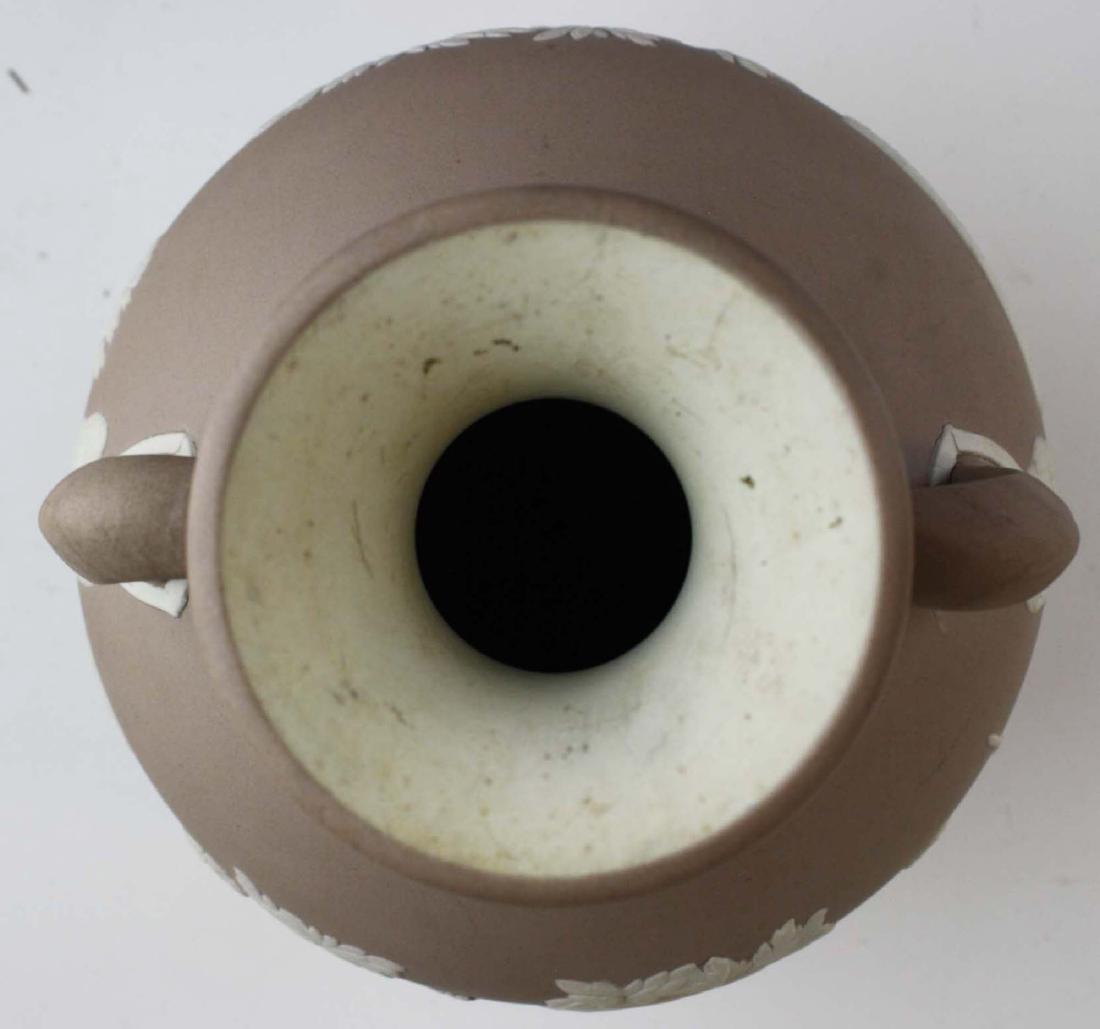 Wedgwood lilac dip Jasperware copy of the Portland vase - 7