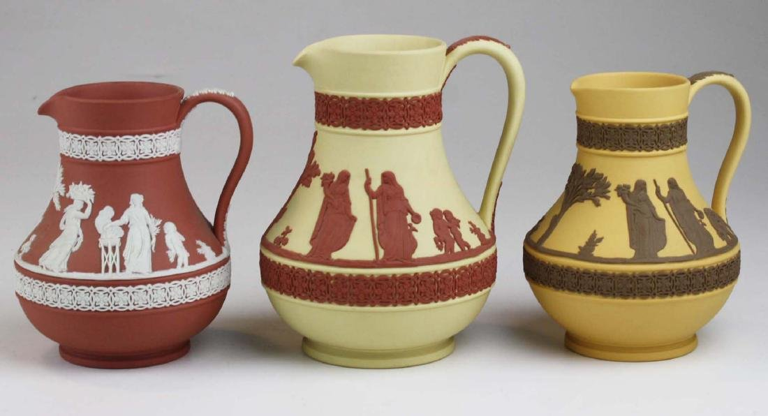 3 Wedgwood Jasperware Etruscan pottery jugs in unusual - 4